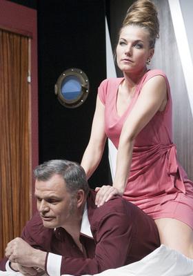 Bild: Ohnsorg Theater- All Johr wedder (Schöne Bescherungen) - u.a. mit Birte Kretschmer u. Erkki Hopf