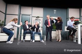 Bild: Halbgott in Nöten - Komödie von Erich Virch