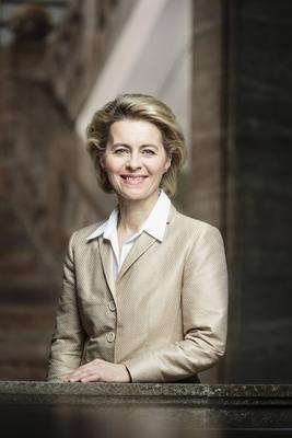 Bild: Dr. Ursula von der Leyen - Bundesministerin der Verteidigung