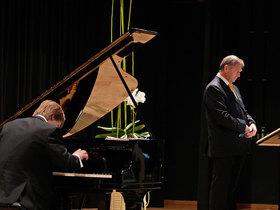 Bild: Vortrag und Musik