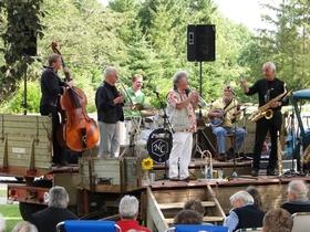 Bild: Frühschoppen mit der Holiday Jazz Band