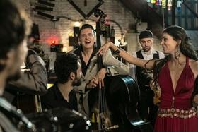 Bild: Noch mehr Klezzmer, Gypsy, Jazz  &  Swing - Barcelona Gypsy Balkan Orchestra