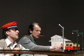 Bild: Höchste Eisenbahn - Theater Handmenge