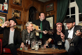 Bild: Irish Folk Night - ... A powerful party of Irish music, song and dance