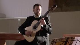 Bild: José Antonio Escobar - Klassische Konzert – Friedberger Gitarrentage