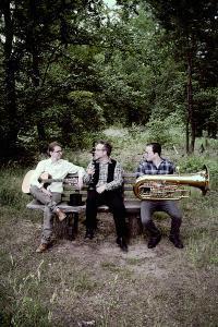 Bild: Nick Benjamin & Trio Vagabondoj - ...da sagt der Blau zum Grün..
