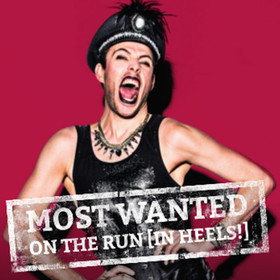Bild: MOST WANTED - On the run (in heels!)