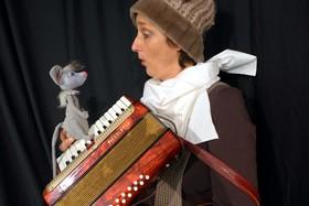 Bild: Mausekuss mit Bär | KinderTheaterFestival