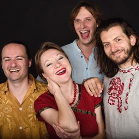 Bild: East Drive Trio & Tamara . Savka i Griška