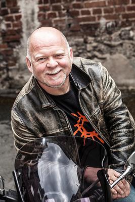 Bild: Bernd Gieseking - Früher hab` ich nur mein Motorrad gepflegt