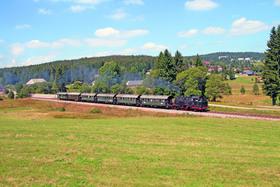 Bild: Sommerdampf mit der Dreiseenbahn