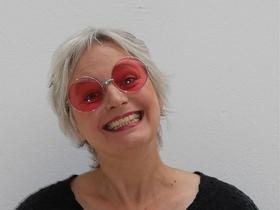 Bild: Friede.Freude.Pustekuchen - Kabarett im Kino mit Ellen Schaller