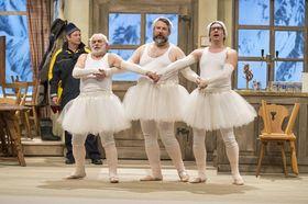 Bild: Göttinnen weißblau - Lustspiel in 3 Akten von Cornelia Willinger