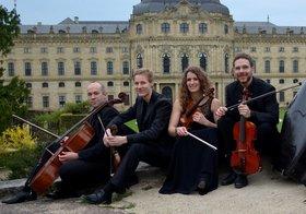 Bild: Hofgarten Quartett - Jérôme Huy u. Alina Riegel, Violine; Martin Kiefl, Viola; Frieder Ziemendorf, Violoncello