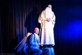 Bild: Der Messias - Eine Weihnachtskomödie von Patrick Barlow Regie: Ronka Nickel. Mit Hans Schwab, Justin Lenoir, Doris Friedmann, H.-J. Philipps