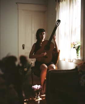 Bielefelder Songnächte - Haley Heynderickx
