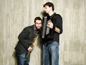 Bild: Duo Vincent Peirani (Akkordeon) & Emilie Parisien (Saxofon) - 4.Jazz & More Festival Friedrichshafen