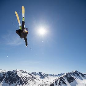 Bild: Snowtime #2: Ski-Movies - Berggipfel. Tiefschnee. Adrenalin.