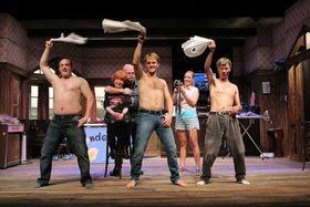 Bild: Landeier - Bauern suchen Frauen - Komödie mit dem Ensemble des Ohnsorg-Theaters aus Hamburg