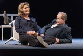 Bild: Konstellationen - Schauspiel mit Suzanne von Borsody und Guntbert Warns