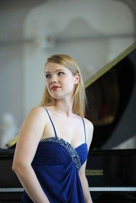 Bild: Junge Pianisten: Julia Rinderle