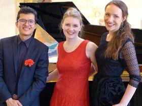 Bild: Junges Trio präsentiert Liederabend - Klassik auf der