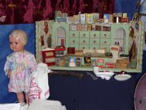 Antik- Trödel & Sammlermarkt - Antiquitäten, Trödel und Spielzeug, Briefmarken, alte Ansichtskarten, Münzen u. v. m.