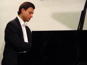 Bild: HOLGER BLÜDER - Eine pianistische Zeitreise durch die Musikgeschichte