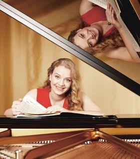 Bild: Earthquake: Elisabeth Brauß, Klavier - Konzerte mit jungen Künstlern