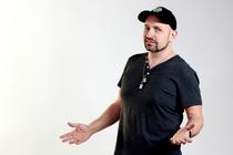 """Bild: Open Stage IN DER ROSENAU - präsentiert von Dominik Kuhn alias """"Dodokay"""""""