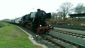 Bild: Dampfsonderzug zum Weihnachtsmarkt Michelstadt - ab HanauHbf, Frankfurt Süd, Langen