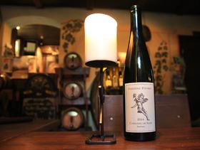 Bild: Weinverkostung im Weinkeller Am Goldenen Wagen