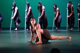 Bild: Crossing the Lines - Ein Tanzprojekt vom Choreographen Roysten Maldoom präsentiert von der Peter Gläsel Stiftung
