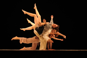 "Delfos Danza Contemporánea (MEX) ""Cuando Los Disfraces Se Cuelgan (When Disguises are Hung Up)"""