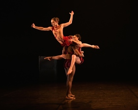 "Phoenix Dance Theatre  (GB)                     ""Calyx"", ""Beast"", ""Windrush"""
