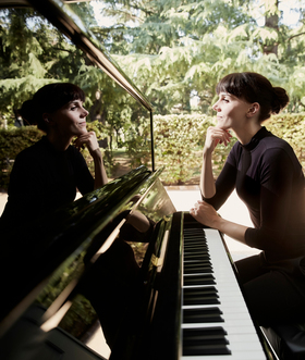 Anna Depenbusch - Solo am Klavier