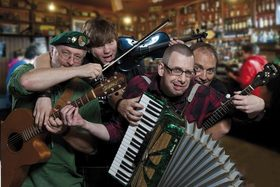 IRISH NIGHT in den Mai - mit Wild Molly,...