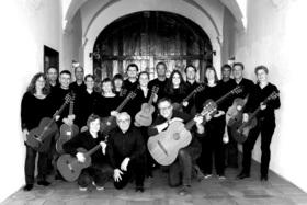 Bild: Saitensprünge in Dur und Moll - Gitarrenensemble Leonberg