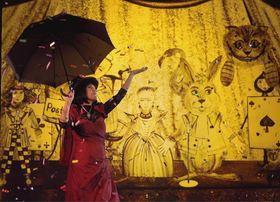 Bild: Alice im Wunderland - Der Klassiker von Lewis Carroll als Sand-Malerei- Show