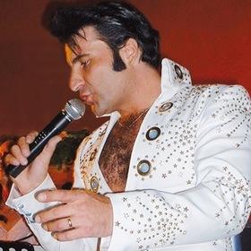 Bild: Still Alive - The Spirit of Elvis - mit Kai von Kajdacsy und Band