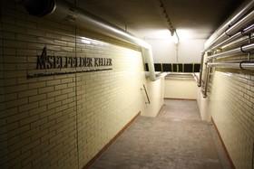 Bild: Kellerführung im ehemaligen Keller der Firma Racke und Jazzkeller