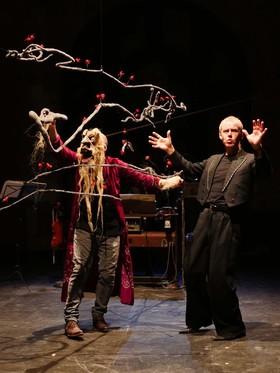 Bild: Die Empfindsamkeit der Giganten - Figurentheater Wilde & Vogel