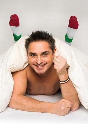 Bild: Roberto Capitoni - >>Italiener schlafen Nackt - manchmal auch in Socken
