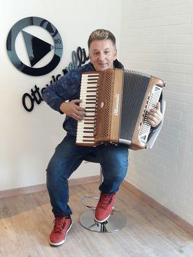 Bild: Ivan Hajek & Band in Konzert -