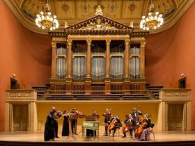 Bild: Zauber des Barock - Trompeter Oliver Lakota & Michaela Kácerková mit den Prager Kammersolisten
