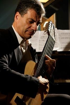 Bild: Musica Española - Konzert für 11-saitige Gitarre