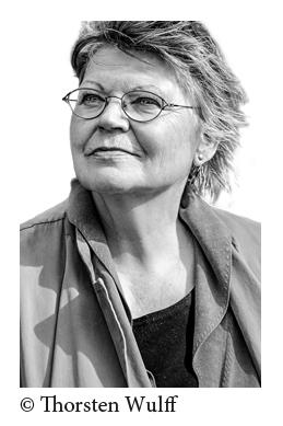 Bild: Premieren-Lesung mit Petra Oelker