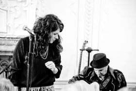 Bild: Mah-e Manouche - Weltmusik mit Sanaz Zaresani und Sasan Azodi