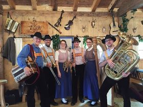Bild: Wirtshaus Danz mit der Spundlochmusik