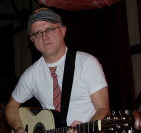 Bild: Roland Olschok & Friends - Pop-Rock-Konzert des Gitarristen mit Gästen